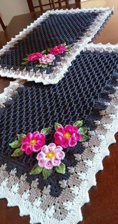Crochet afghan pictures baby blankets Ideas for 2019 - Hiltrud Thomas - Croc. Crochet Mat, Crochet Gloves, Crochet Home, Crochet Gifts, Irish Crochet, Easy Crochet, Rug Yarn, Blanket Yarn, Crochet Placemats