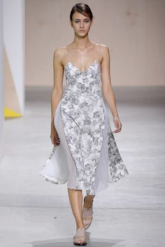 Boss Spring 2016 Ready-to-Wear Fashion Show