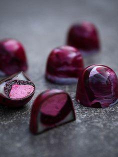 Svartvinbär- och citronpralin