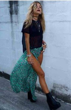 Need this outfit, love the turquoise leopard print skirt with splits and a simple tshirt - kinda has a grunge feel x