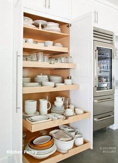 Slide out kitchen pantry drawers by Heather Bullard . Slide out kitchen pantry drawers by Heather Bullard Kitchen Redo, Kitchen Pantry, Kitchen And Bath, New Kitchen, Organized Kitchen, Kitchen Ware, Pantry Cabinets, Smart Kitchen, Pantry Cupboard