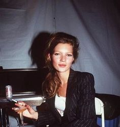 Fashion flashback // 90s supermodels sure knew how to party in style | Le Blow