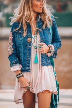 Boho Fashion Nova per Fashion Nova Clothes In Real Life few Clothes Fashion Esl -- Boho Chic Style Plus Size Style Ibiza, Ibiza Look, Style Hippie Chic, Look Boho Chic, Bohemian Style, Gypsy Style, White Bohemian, Bohemian Living, Bohemian Gypsy