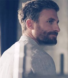 Dean O'Gorman as Anders in the Almighty Johnsons (gif set).