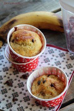Muffins aux bananes & pépites de chocolat {allégés} (7) Muffins, Pudding, Breakfast, Healthy, Desserts, Food, Sweet Cookies, Morning Coffee, Tailgate Desserts
