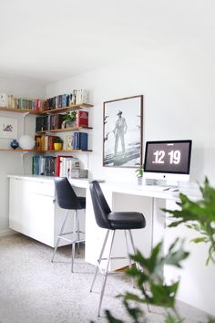 Make your own custom built-in desk. Woah!   (click through for details)