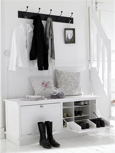 Schuhkommode Landhausstil - #flurgestalten #Landhausstil #Schuhkommode Entryway Shoe Storage, Hallway Storage Bench, White Storage, Hall Bench With Storage, Ikea Storage, White Storage Bench, Entryway Storage, Storage Hall, Seat Storage