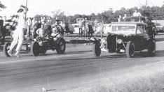 Vintage shots from days gone by! Traditional Hot Rod, Street Racing, Car Humor, Vintage Racing, The Good Old Days, Drag Racing, Hot Rods, Shots, Outdoor