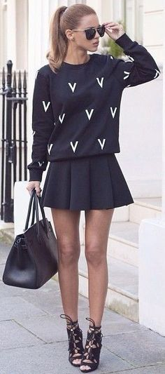#fall #blackandwhite #outfit #ideas | Graphic Sweatshirt + Pleated Skirt