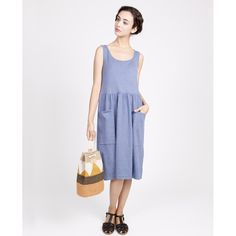Simple dress with pockets