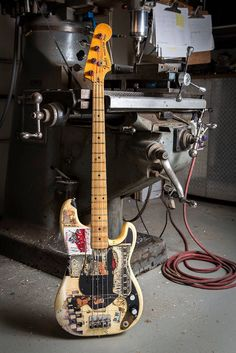 Cool Fender! I believe this is Matt Freeman's 70s P Bass