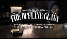 """Anti-celulares"": Salve Jorge Bar presents The Offline Glass Salve Jorge Bar Online Advert Put Your Phone Down, Innovation, Smartphone, Digital Detox, Guerilla Marketing, Beer Packaging, The Cell, Viral Videos, Stand Up"