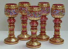 Skleničky na víno * červené sklo, ručně zdobené zlatem a malováním * Bohemian Moser, rok 1880
