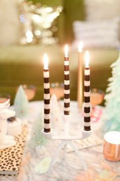 How To Host A Glitzmas Party | theglitterguide.com