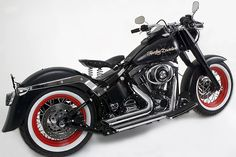 Harley Hot Rod special - | Motorbike reviews | Latest Bike Videos | MCN A very clean fat boy