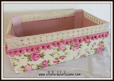 El Taller de la ArtesAna Home Crafts, Diy Home Decor, Diy And Crafts, Wooden Crates, Wooden Boxes, Shabby Vintage, Shabby Chic, Crate Crafts, Altered Boxes