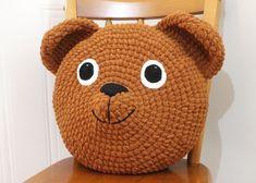 Teddy Bear Pillow By Fei - Free Crochet Pattern - (iheartgantsilyo) Crochet Teddy, Crochet Bunny, Cute Crochet, Crochet For Kids, Crochet Dolls, Crochet Pillow Patterns Free, Free Pattern, Crochet Afghans, Crochet Elephant