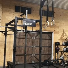 Rich Froning, the CrossFit Games Champion and owner of CrossFit Mayhem has one of the most decked-out home gyms in the world. Combining top-of-the-line Rogue Fitness Equipment with a barn makes for one amazing place to workout. Metal Pole Barns, Pole Barn Garage, Metal Barn Homes, Pole Barn Homes, Crossfit Garage Gym, Home Gym Garage, At Home Gym, Man Cave Barn, Gym Shed