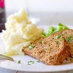 mashed potatoes, green beans
