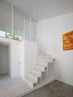 Stairs Design Ideas White Staircase Railing After Painted White Stairs And Banister White Staircase, Staircase Handrail, Stair Railing, Minimalist Home Interior, Home Interior Design, Interior Ideas, Stair Shelves, Stair Decor, Stair Steps