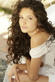 Alice Greczyn. naturally curly hair