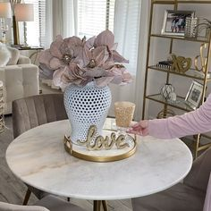 Valentines table 3 ways! Diy, budget decor and weekly styling tutorials Gary Herland on - Diy Home Decor On A Budget, Decorating On A Budget, Decor Diy, Table Decor Living Room, Bedroom Decor, Dinning Table Decor Ideas, Living Rooms, Entryway Decor, Decorating Coffee Tables