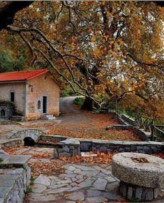 Arcadia Greece, Corinth Canal, Zorba The Greek, Seasons In The Sun, Greece Pictures, Beautiful Places, Beautiful Pictures, Greece Holiday, Stone Houses
