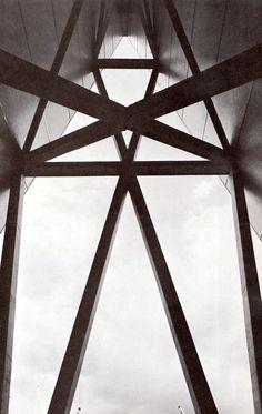 Vista de la estructura superiores, Edificio de la Torre Banobras (Banco Nacional Hipotecario) durante la construcción, Nonoalco-Tlatelolco, México DF 1962   Arqs. Mario Pani y Luis Ramos -  View of the upper structure, Banobras Tower Building (National Mortgage Bank), Nonoalco-Tlatelolco, Mexico City 1962