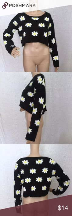 """Flower Cropped Sweater Flower cropped sweater. Fuzzy. Worn a few times.             Mannequin Measurements: Height-68.9"""" Bust-32.2"""" Waist-24"""" Hip-33.8"""" *Please note not all of my items fit my mannequin correctly* 36 Point 5 Sweaters Crew & Scoop Necks"""