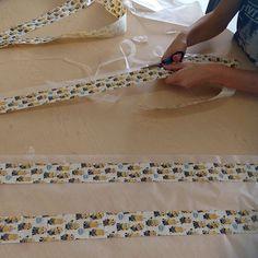 Duct tape stuck to waxed paper to use as bulletin board border! #teacherhacks #frugalteacher #creativeteacher