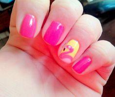 Super cute flamingo nail