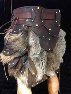 LARP costumeLederkraft Leather and fur belt - LARP costume Viking Armor, Arm Armor, Medieval Armor, Medieval Fair, Medieval Gown, Leather Armor, Leather Belts, Diy Costumes, Cosplay Costumes