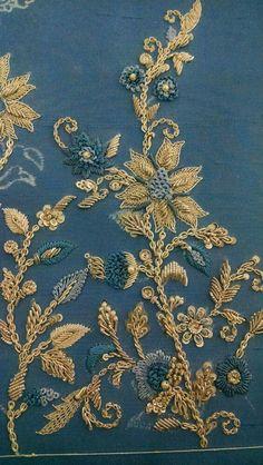Super Zardosi Embroidery, Hand Embroidery Dress, Kurti Embroidery Design, Tambour Embroidery, Couture Embroidery, Gold Embroidery, Embroidery Fashion, Hand Embroidery Designs, Embroidery Patterns