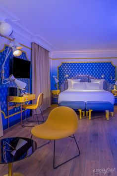 Suite Blue Sunshine at Idol Hotel by Elegancia in Paris. Serious Bedroom Inspiration.