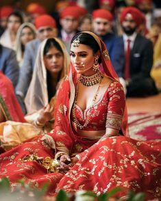 Bridal Lehenga Images, Bridal Dupatta, Indian Bridal Lehenga, Red Lehenga, Indian Bridal Outfits, Bridal Dresses, Sikh Bride, Sikh Wedding, Red Wedding