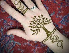 125 Stunning Yet Simple Mehndi Designs For Beginners Simple Mehndi Designs Images, Henna Flower Designs, Henna Tattoo Designs Simple, Mehndi Designs For Beginners, Mehndi Designs For Fingers, Best Mehndi Designs, Mehandi Designs, Small Henna Tattoos, Hand Tattoos For Girls