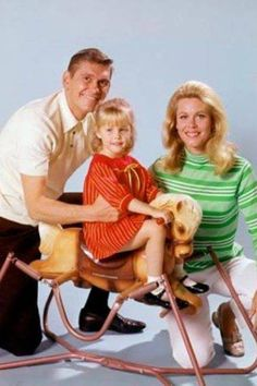 Child actress Erin Murphy with Dick York and Elizabeth Montgomery in Bewitched, Child stars (ABC Photo Archives/ABC/Getty Images) Agnes Moorehead, Bewitched Tv Show, Bewitched Elizabeth Montgomery, Erin Murphy, Online Photo Gallery, I Dream Of Jeannie, Sherman Oaks, Old Shows, Show Photos
