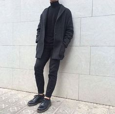 The black 1461 shoes, shared by blancxivoire.