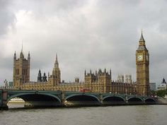 Google Image Result for http://www.ukcitytrip.com/images2/Houses%2520Of%2520Parliament.jpg