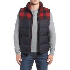 Men's The North Face 'Nuptse' Packable Goose Down Vest ($125) ❤ liked on Polyvore featuring men's fashion, men's clothing, men's outerwear, men's vests, mens goose down vest, mens quilted vest, mens vest outerwear and mens vest
