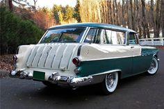 1956 Pontiac Starchief Safari