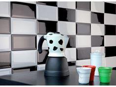 Mur de cuisine en carrelage métro rouge et blanc castorama