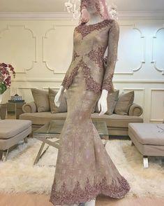 No photo description available. Malay Wedding Dress, Kebaya Wedding, Muslimah Wedding Dress, Muslim Wedding Dresses, Bridal Dresses, Wedding Gowns, Bridesmaid Dresses, Kebaya Modern Dress, Kebaya Dress