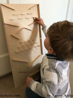 Learn how to make a wooden marble drop board using craft sticks and nails. Both hypnotic to watch and listen to. Craft Sticks, Craft Stick Crafts, Fun Things, Things That Bounce, Wooden Marble Run, Marble Falls, Glue Gun Crafts, Wood Nails, Homemade Toys