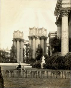 """""""Colonnades of Palace of Fine Arts""""  Panama-Pacific International Exposition (1915 : San Francisco, Calif.)     Fairs -- P.P.I.E. -- Palace of Fine Arts -- Colonnades     San Francisco (Calif.)"""