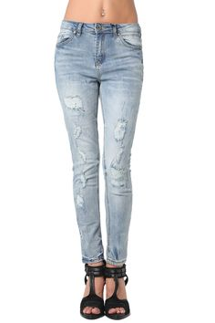 High quality skinny jeans in distressed rip with highwaist - 44,90 € - https://q2shop.com/