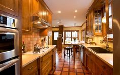 Everyday Solutions: Kitchen/eating area reflects vintage character | Star Tribune