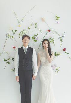 KOREAN WEDDING A-009 ANDYOO STUDIO : korea wedding pledge Pre Wedding Poses, Wedding Picture Poses, Funny Wedding Photos, Pre Wedding Photoshoot, Wedding Pics, Wedding Shoot, Wedding Couples, Wedding Dresses, Party Wedding