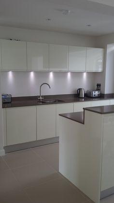 Kitchen By Dee Design No Handles Glossy Doors