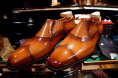 il Quadrifoglio Official Site : http://ilquadrifoglio-kobe.com/  Calzature Su Misura, prodotto di KOBE fatto a mano  Photo by Nutcracker, Styleforum Japanese Shoes:Bespoke & RTW Super Thread